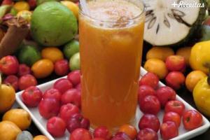 Suco de laranja com acerola
